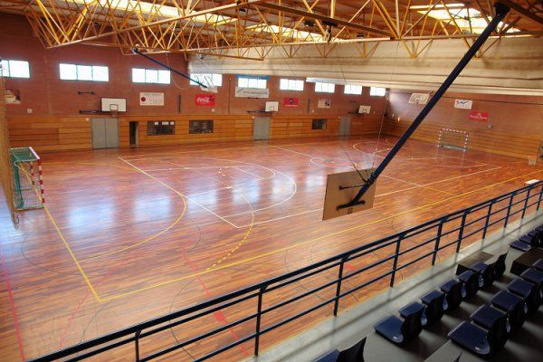 l.centre-esportiu-municipal-de-la-verneda-1_1349345612